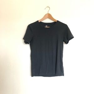 Uniqlo Basic Black Tee